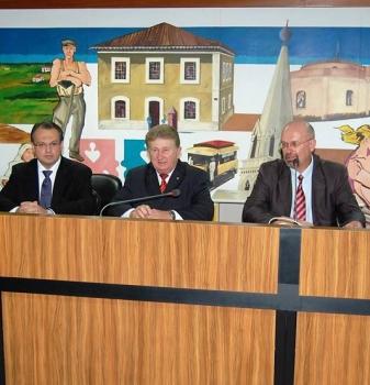 Faesp recebe homenagem da Câmara Municipal de Curitiba