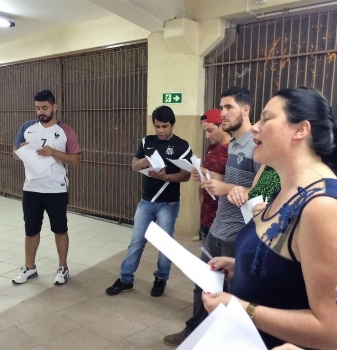 Acadêmicos de Administração participam de atividade para aplicar dinâmica na prática